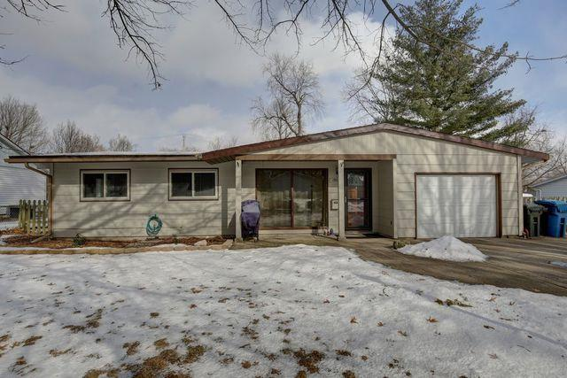 1902 Country Squire Drive, Urbana, IL 61802 (MLS #10257255) :: Baz Realty Network | Keller Williams Preferred Realty