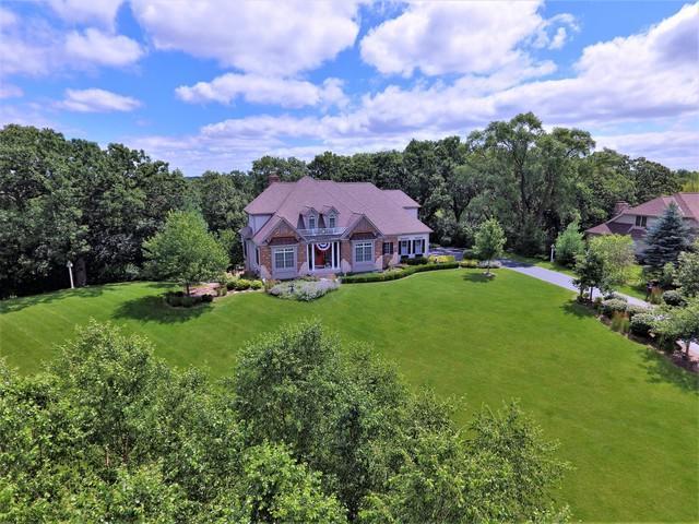 2160 Bay Oaks Drive, Mchenry, IL 60051 (MLS #10257818) :: Baz Realty Network | Keller Williams Preferred Realty