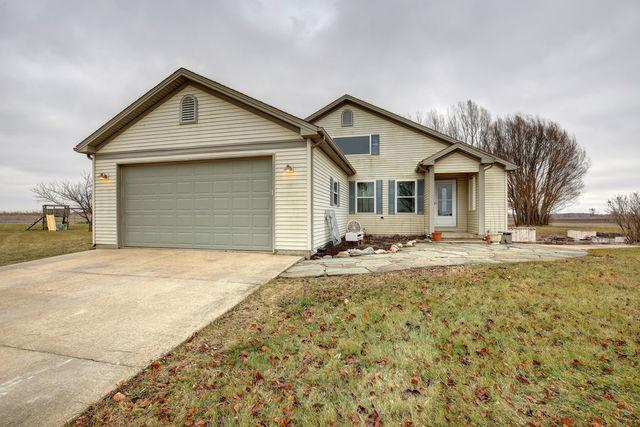 1358 County Road 2275 E, ST. JOSEPH, IL 61873 (MLS #10258505) :: Ryan Dallas Real Estate