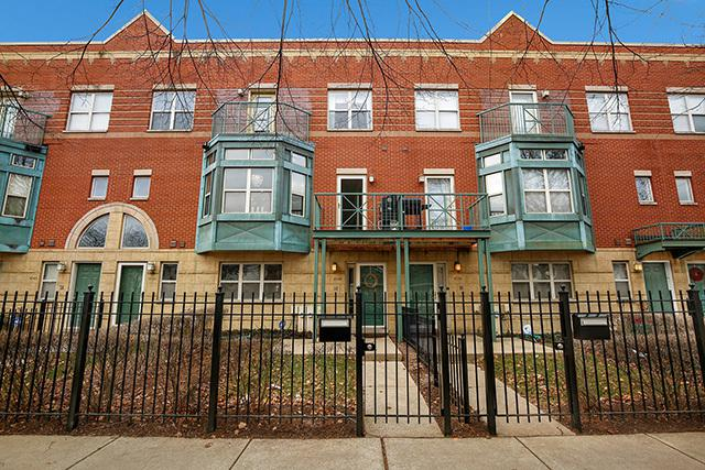 4540 S Woodlawn Avenue, Chicago, IL 60653 (MLS #10259075) :: Baz Realty Network | Keller Williams Preferred Realty