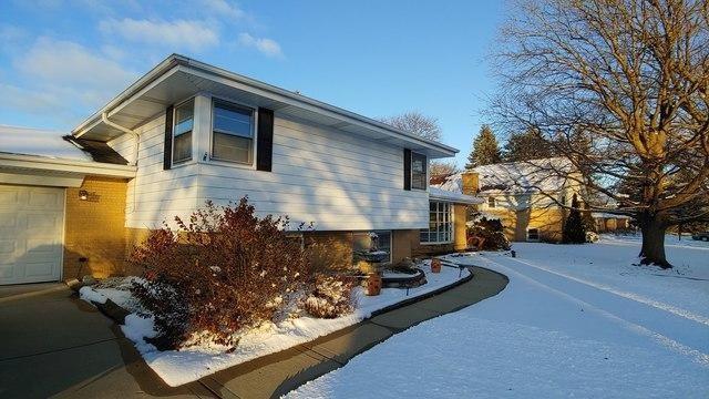 106 Eleanor Drive, Prospect Heights, IL 60070 (MLS #10259111) :: Baz Realty Network | Keller Williams Preferred Realty