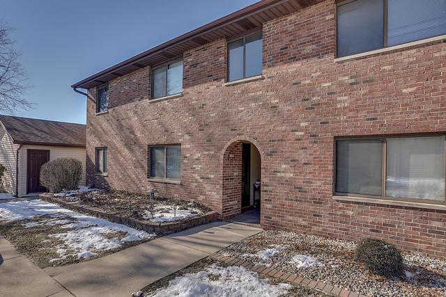 1901 Beck Drive #6, Urbana, IL 61802 (MLS #10259359) :: Baz Realty Network | Keller Williams Preferred Realty