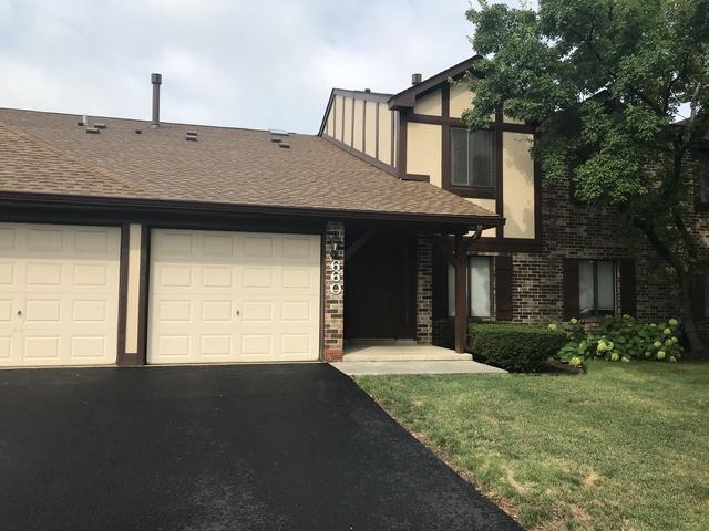 660 Cross Creek Drive W 1AA, Roselle, IL 60172 (MLS #10260253) :: Berkshire Hathaway HomeServices Snyder Real Estate