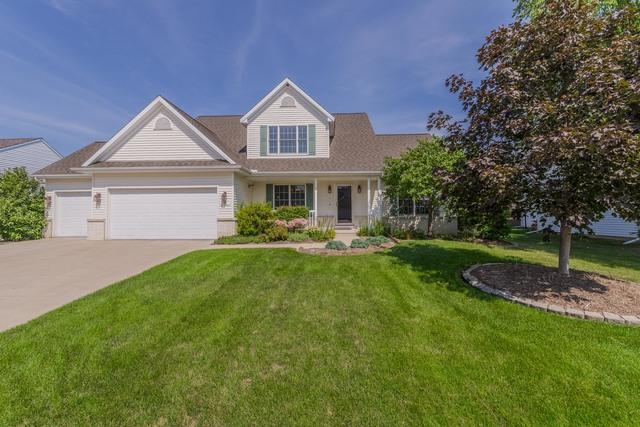 28 Pebblebrook Court, Bloomington, IL 61705 (MLS #10261034) :: Berkshire Hathaway HomeServices Snyder Real Estate