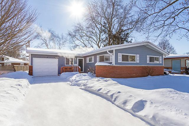 517 S 5th Street, West Dundee, IL 60118 (MLS #10261603) :: Baz Realty Network   Keller Williams Preferred Realty
