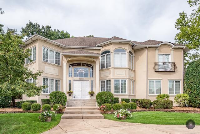 8S320 Hampton Circle, Naperville, IL 60540 (MLS #10261776) :: HomesForSale123.com
