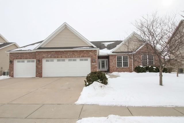 3705 Gina Drive, Bloomington, IL 61704 (MLS #10262183) :: Janet Jurich Realty Group