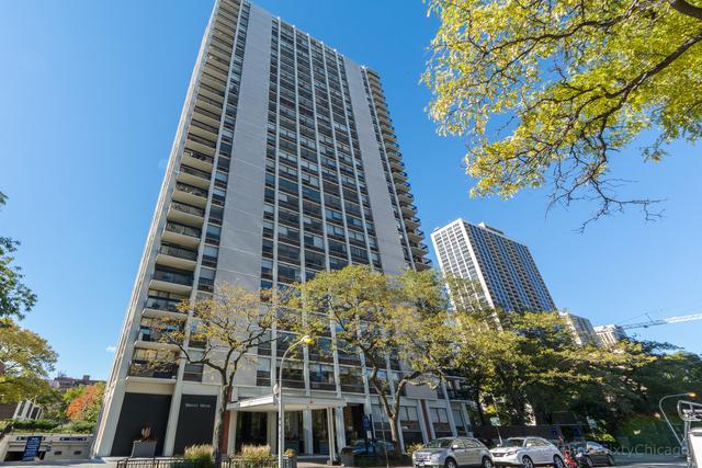 1455 N Sandburg Terrace #307, Chicago, IL 60610 (MLS #10263052) :: Baz Realty Network | Keller Williams Preferred Realty