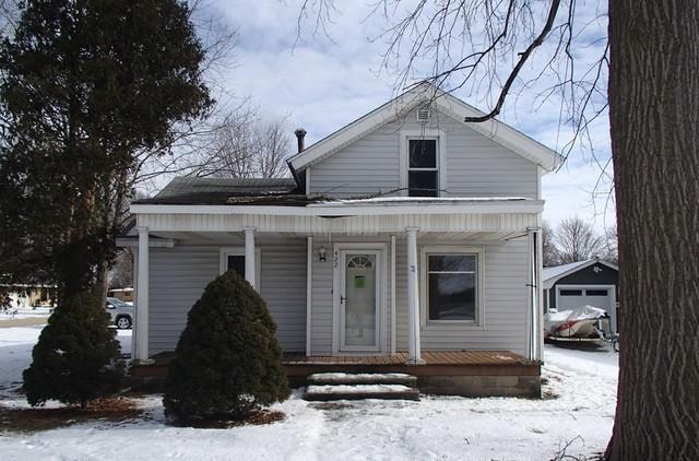 422 N Monroe Street, Gardner, IL 60424 (MLS #10264091) :: The Dena Furlow Team - Keller Williams Realty