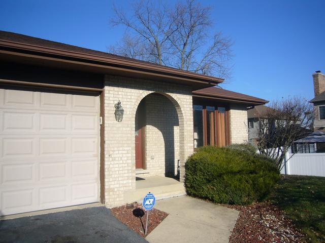 2532 Kelly Drive, Woodridge, IL 60517 (MLS #10264441) :: Baz Realty Network | Keller Williams Preferred Realty