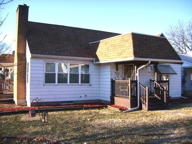 1401 W 2nd Street, Rock Falls, IL 61071 (MLS #10266343) :: Baz Realty Network | Keller Williams Preferred Realty