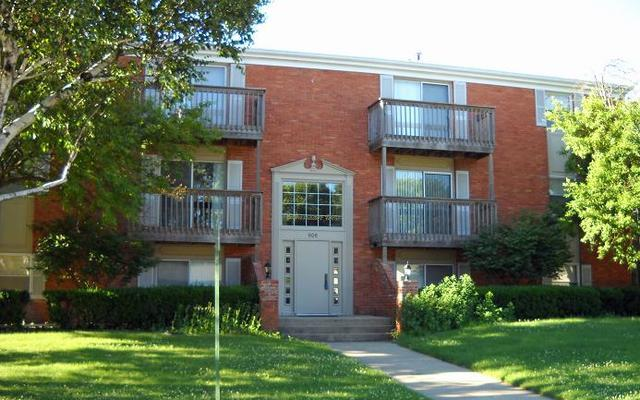 906 E Harding Drive #101, Urbana, IL 61801 (MLS #10267455) :: Baz Realty Network | Keller Williams Preferred Realty