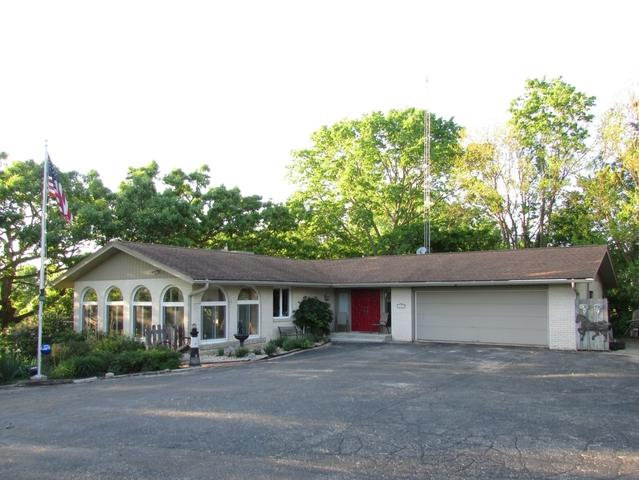 3418 W Lily Creek Road, Freeport, IL 61032 (MLS #10267639) :: The Dena Furlow Team - Keller Williams Realty