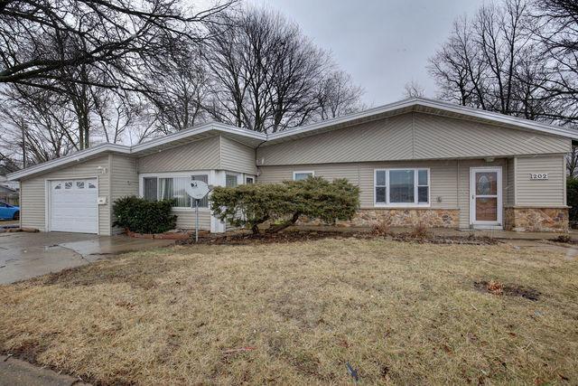 202 N Mattis Avenue, Champaign, IL 61821 (MLS #10267679) :: Ryan Dallas Real Estate