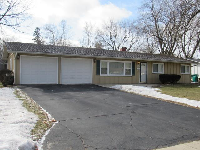 35 Circle Drive East Drive, Montgomery, IL 60538 (MLS #10268271) :: Baz Realty Network | Keller Williams Preferred Realty