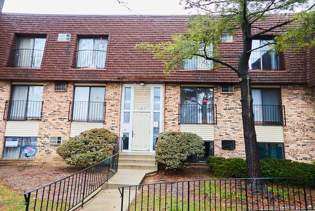 192 S Waters Edge Drive #101, Glendale Heights, IL 60139 (MLS #10268299) :: Baz Realty Network | Keller Williams Preferred Realty