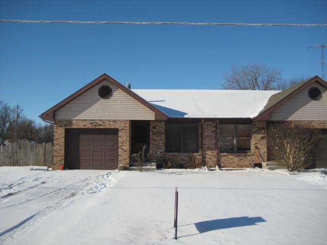 300 N Walker Street, Braidwood, IL 60408 (MLS #10268877) :: Baz Realty Network | Keller Williams Preferred Realty
