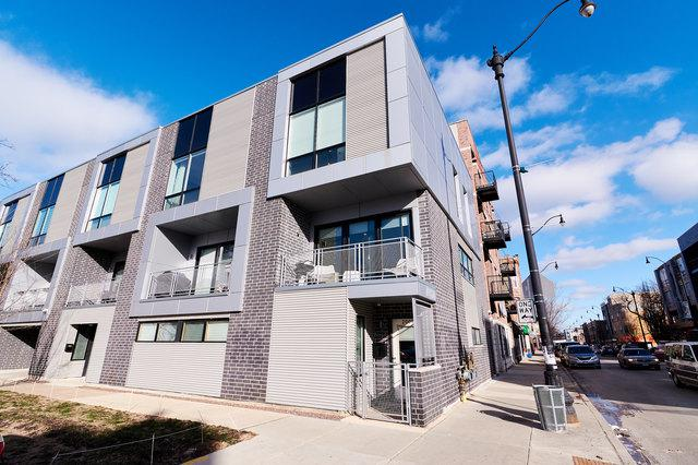 2001 N Albany Avenue, Chicago, IL 60647 (MLS #10269517) :: Domain Realty