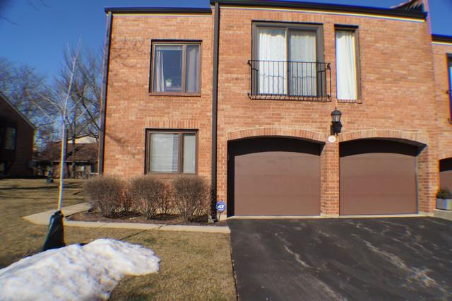 19W230 Governors Trail #23, Oak Brook, IL 60523 (MLS #10271070) :: Baz Realty Network   Keller Williams Preferred Realty