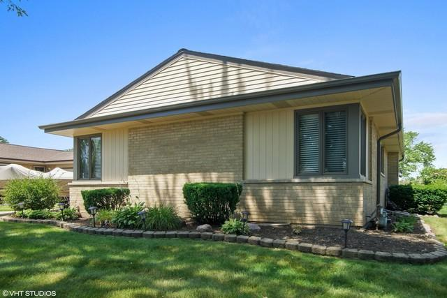 726 Therese Terrace, Des Plaines, IL 60016 (MLS #10271171) :: Baz Realty Network | Keller Williams Preferred Realty