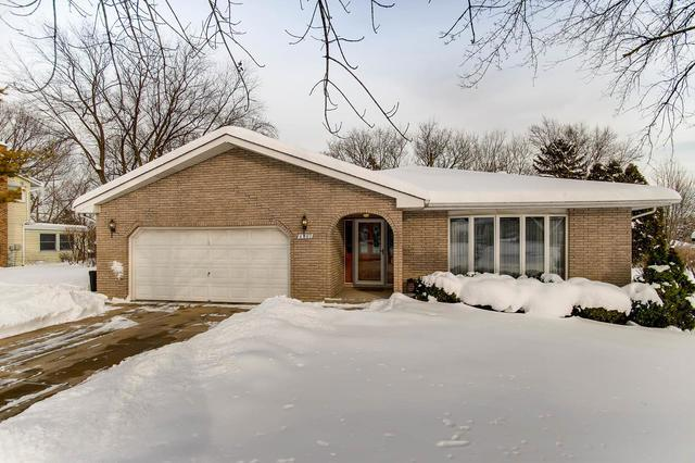 6801 Bentley Avenue, Darien, IL 60561 (MLS #10271195) :: Baz Realty Network | Keller Williams Preferred Realty