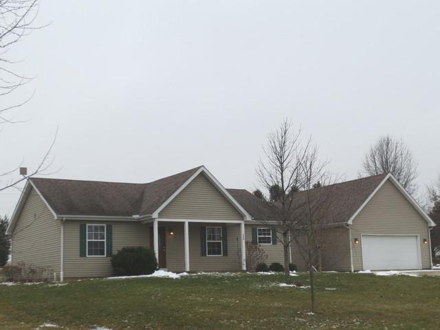 12 Prairie Acres, MONTICELLO, IL 61856 (MLS #10271338) :: Littlefield Group