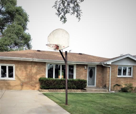 8019 S Oconto Avenue, Bridgeview, IL 60455 (MLS #10271993) :: The Dena Furlow Team - Keller Williams Realty