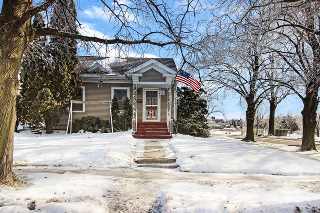921 S Harlem Avenue, Freeport, IL 61032 (MLS #10272065) :: The Dena Furlow Team - Keller Williams Realty