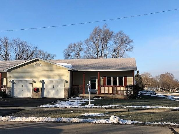 450 S East Avenue, South Elgin, IL 60177 (MLS #10272250) :: The Mattz Mega Group