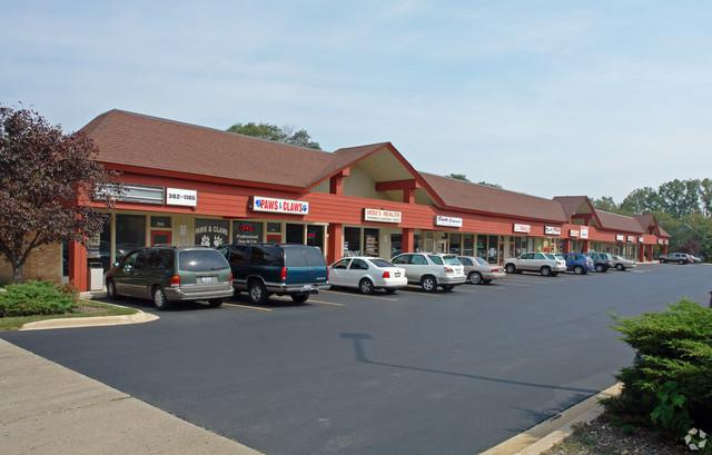 700-730 Northwest Hwy Street, Barrington, IL 60010 (MLS #10272853) :: The Dena Furlow Team - Keller Williams Realty