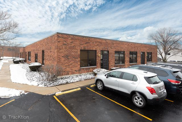 414 Plaza Drive 301-308, Westmont, IL 60559 (MLS #10273255) :: The Dena Furlow Team - Keller Williams Realty