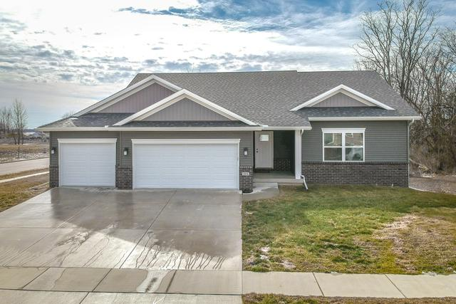 1004 Bach Drive, Bloomington, IL 61704 (MLS #10273501) :: Janet Jurich Realty Group