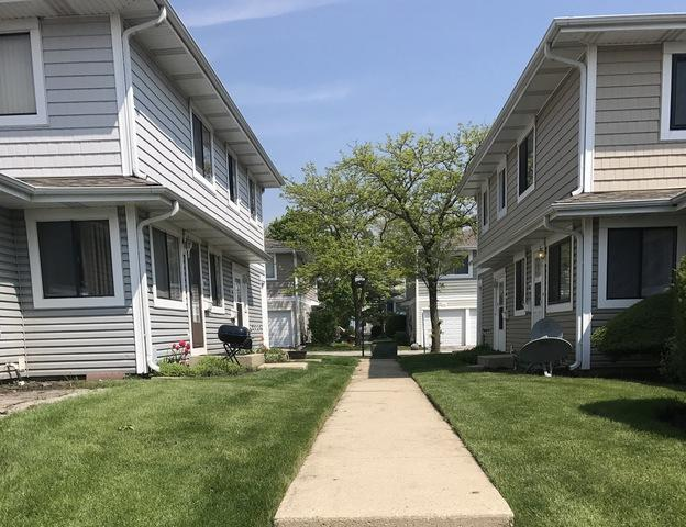 1406 Bear Flag Drive #1406, Hanover Park, IL 60133 (MLS #10273524) :: Baz Realty Network | Keller Williams Preferred Realty