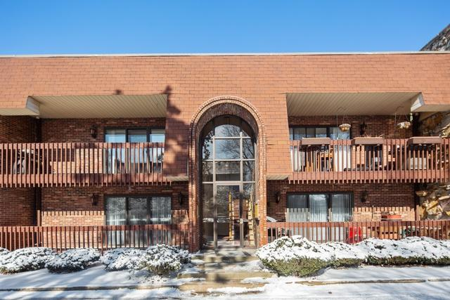 6321 Clarendon Hills Road #6, Willowbrook, IL 60527 (MLS #10273541) :: The Mattz Mega Group