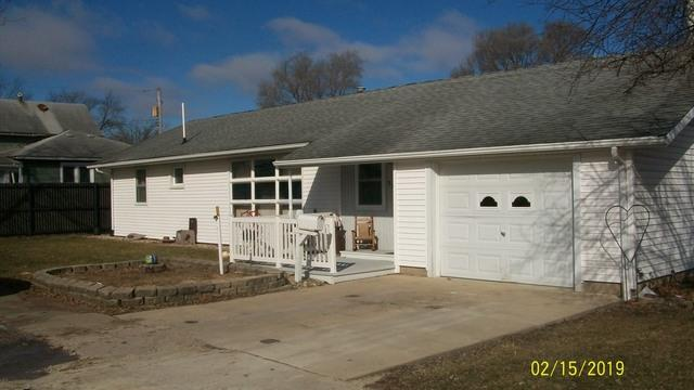 317 E Dent Street, Gilman, IL 60938 (MLS #10273655) :: The Dena Furlow Team - Keller Williams Realty