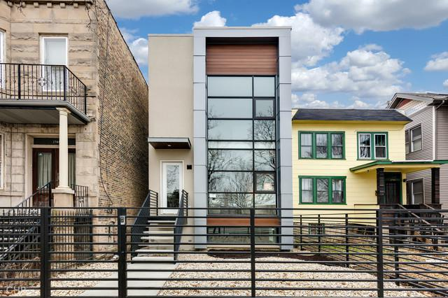 2746 N Fairfield Avenue, Chicago, IL 60647 (MLS #10273839) :: The Perotti Group | Compass Real Estate