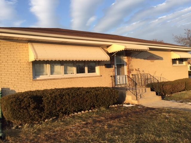 8800 Oleander Avenue, Morton Grove, IL 60053 (MLS #10273883) :: The Mattz Mega Group