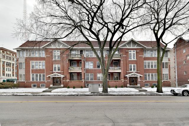 803 Washington Boulevard #1, Oak Park, IL 60302 (MLS #10273977) :: The Dena Furlow Team - Keller Williams Realty