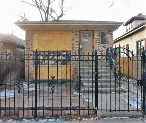 2110 N Moody Avenue, Chicago, IL 60639 (MLS #10274401) :: Lewke Partners
