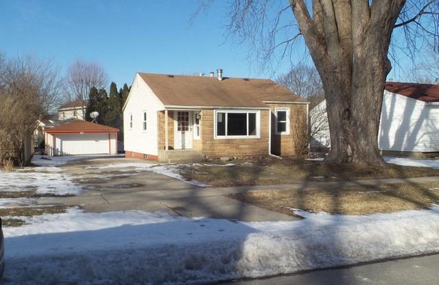 240 Charles Street, Carpentersville, IL 60110 (MLS #10274728) :: Baz Realty Network   Keller Williams Preferred Realty