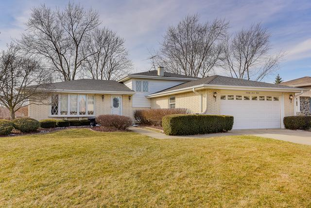 7712 Appletree Lane, Willowbrook, IL 60527 (MLS #10274873) :: The Mattz Mega Group