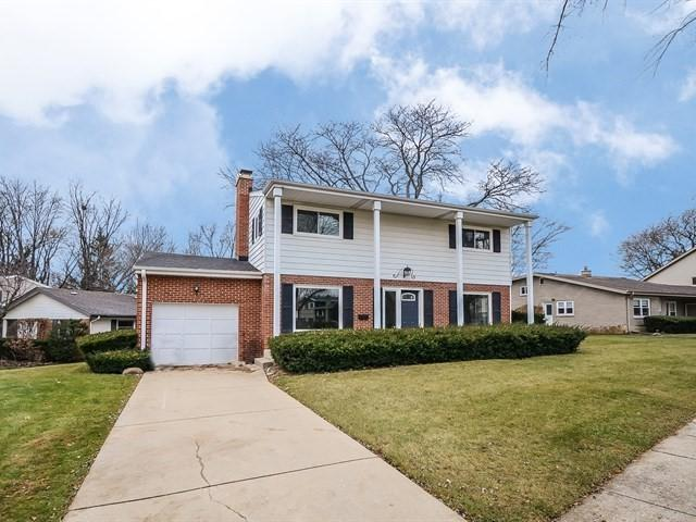 110 S We Go Trail, Mount Prospect, IL 60056 (MLS #10275430) :: Helen Oliveri Real Estate
