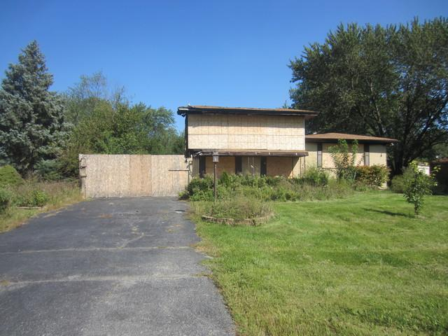 6910 W 157th Place, Tinley Park, IL 60477 (MLS #10275586) :: Century 21 Affiliated