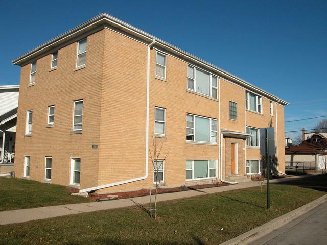 2601 74th Court, Elmwood Park, IL 60707 (MLS #10276543) :: Baz Realty Network | Keller Williams Preferred Realty