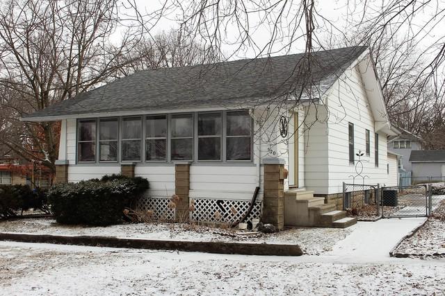 520 N Walnut Street, CLINTON, IL 61727 (MLS #10277265) :: Baz Realty Network | Keller Williams Preferred Realty