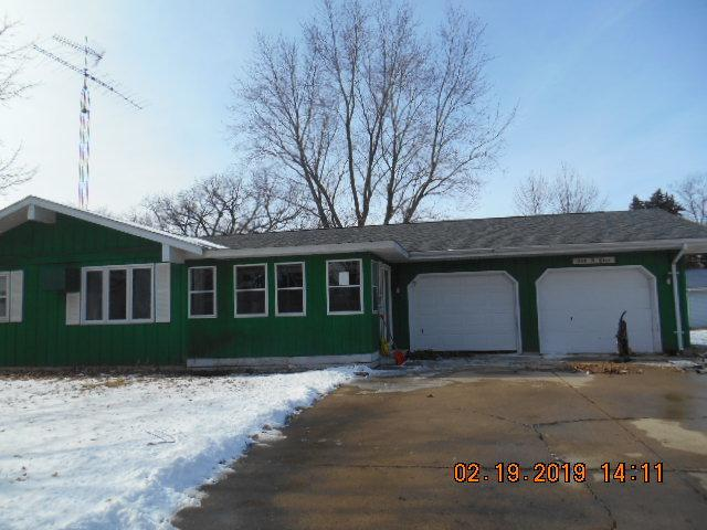 210 N Pine Street, Wenona, IL 61377 (MLS #10277305) :: Janet Jurich Realty Group