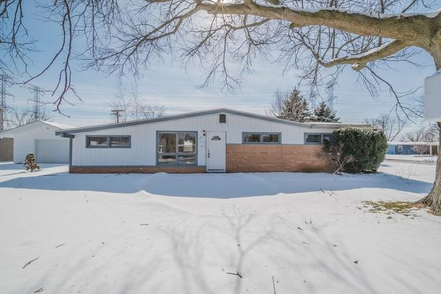 330 John Street, North Aurora, IL 60542 (MLS #10277540) :: The Mattz Mega Group