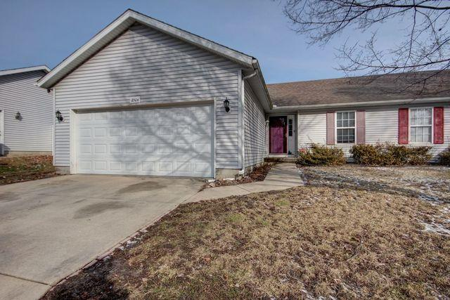 2304 E Main Street, Urbana, IL 61802 (MLS #10277695) :: The Mattz Mega Group