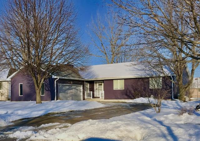 1334 John Street, Sycamore, IL 60178 (MLS #10278234) :: Berkshire Hathaway HomeServices Snyder Real Estate