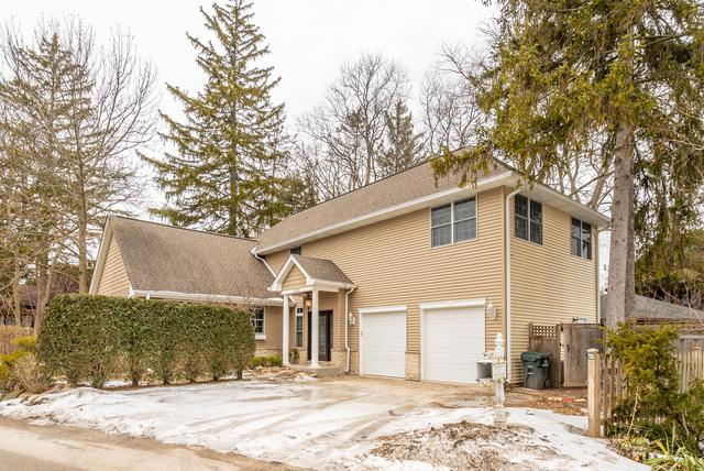 1238 Pleasant Lane, Glenview, IL 60025 (MLS #10279193) :: Berkshire Hathaway HomeServices Snyder Real Estate